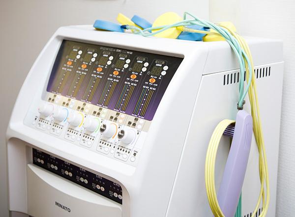ぎっくり腰の治療|電気治療